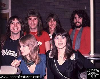 (L to R) Roger Fisher, Nancy   Wilson, Howard Leese, Steve Fossen, Ann Wilson, Michael Derosier