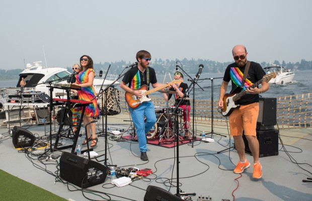 The Hoot Hoots perform on Lake Union (Photo- Christine Mitchell)