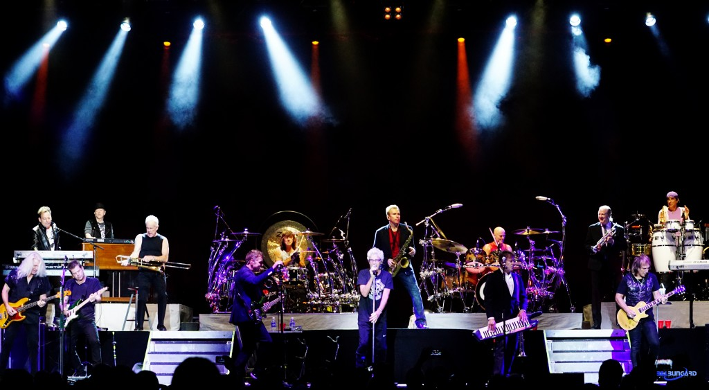 Chicago and REO Speedwagon at The Washington State Fair (Photo by Bill Bungard)