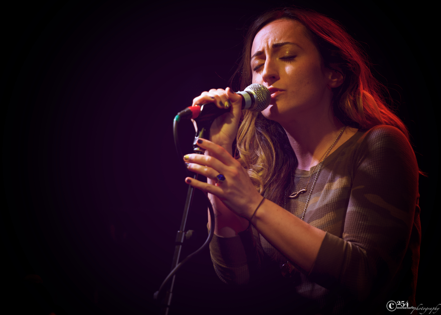 Tayler Lynn of Vaudeville Ettiquette at The Tractor Tavern (Photo by Mocha Charlie)